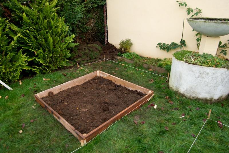 Construire votre potager en carr s pour cultiver vos l gumes - Faire un petit potager en carre ...