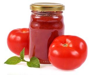 Stérilisation de pots pour conserver le ketchup